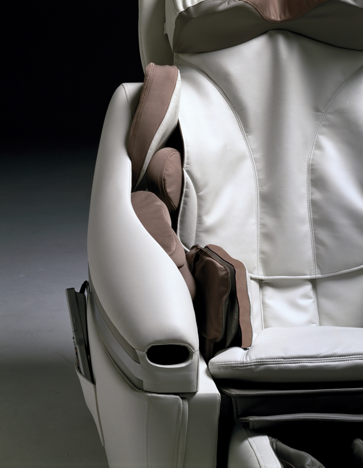 Inada DreamWave Massage Chair Komoder